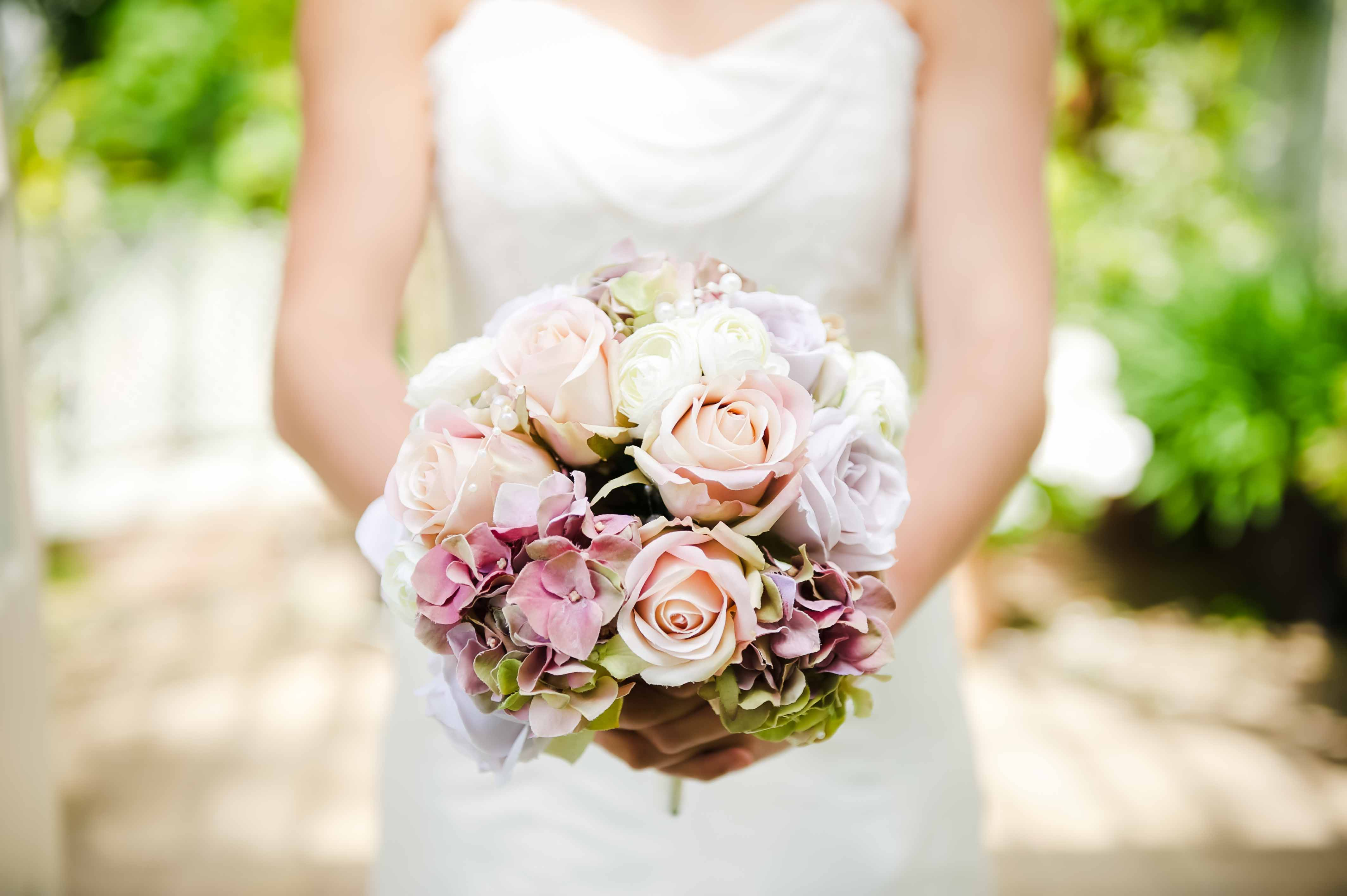 Vintage bouquet artificial wedding flowers chillie breeze vintage bouquet with roses hydrangea and pearls izmirmasajfo
